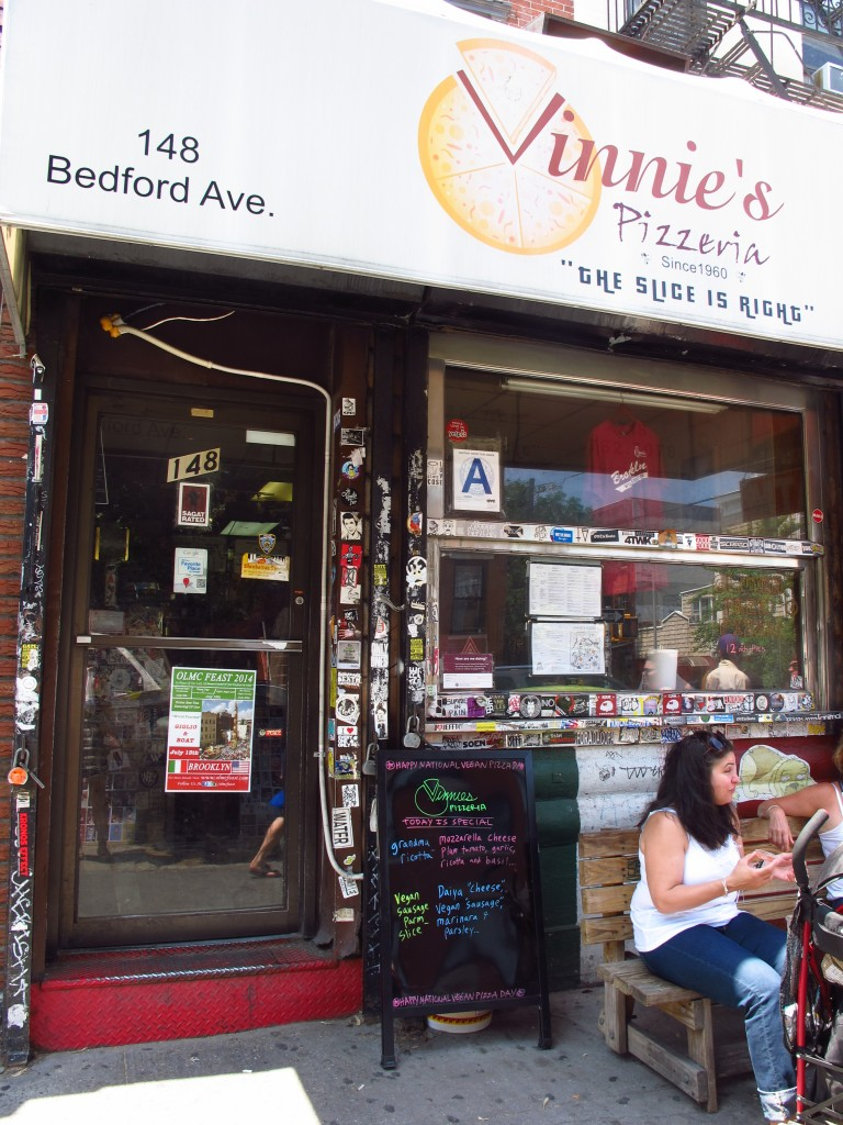 Brooklyn Eats: Vinnie's Pizzeria, Kiku Corner