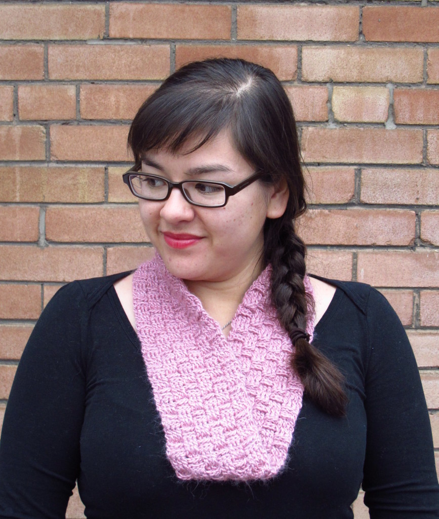 DIY: Sakura Crocheted Basketweave Möbius Cowl