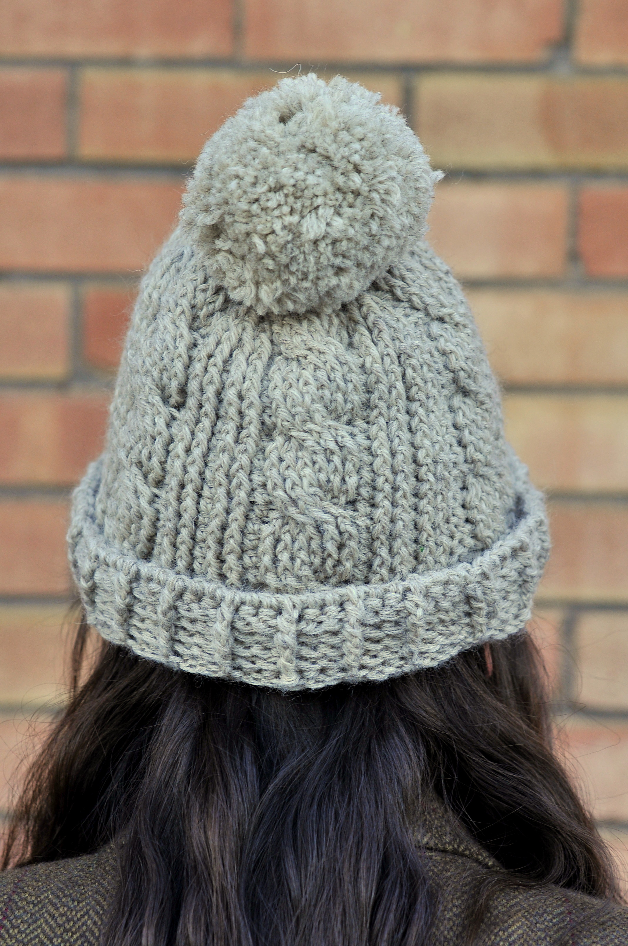 Easy Chunky Crochet Hat Pattern : DIY: Chunky Cabled Crochet Beanie with Free Pattern Kiku ...
